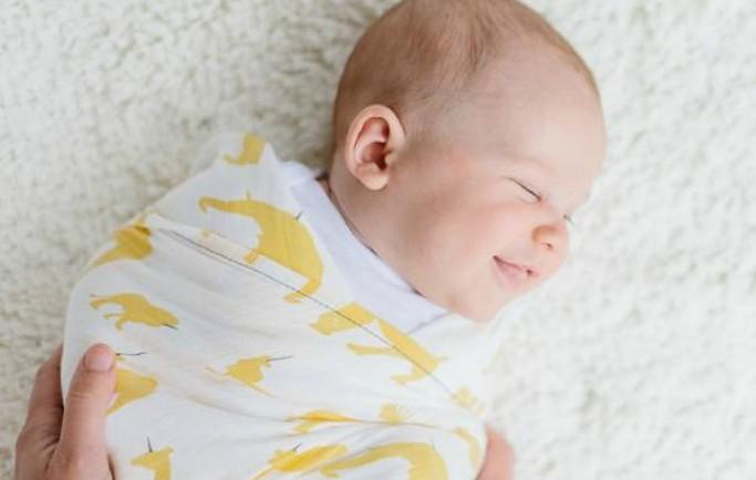 8 điểm nhìn lạ mắt ở trẻ sơ sinh nhưng lại là điều tốt cho trẻ