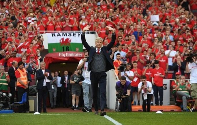 Báo 8live đưa tin Wenger biết người kế vị ở sân Emirates