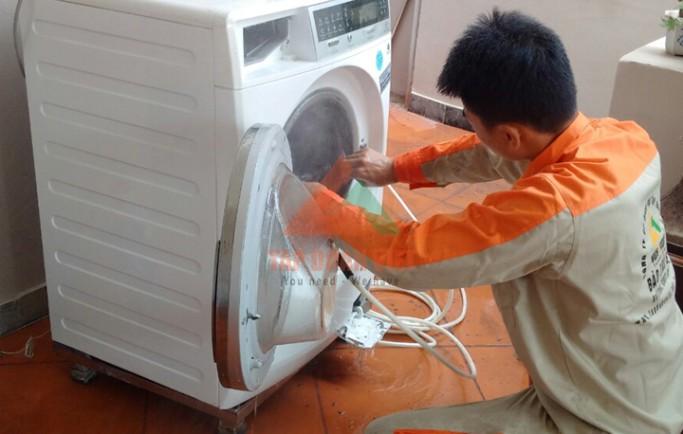 Chuyên gia tư vấn dịch vụ sửa máy giặt electrolux không xả nước