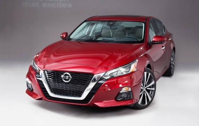 Đánh giá xe Nissan Teana 2018