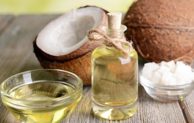Hiệu quả dưỡng da ban đêm từ dầu dừa