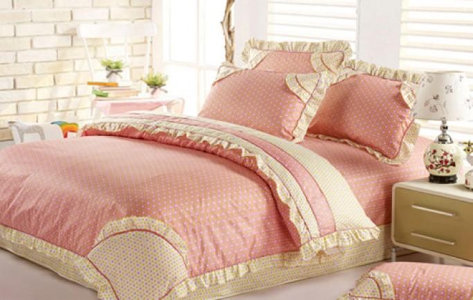 Nhận lấy giấc ngủ say với bộ phụ kiện giường ngủ phong cách đồng quê cho phụ nữ trẻ