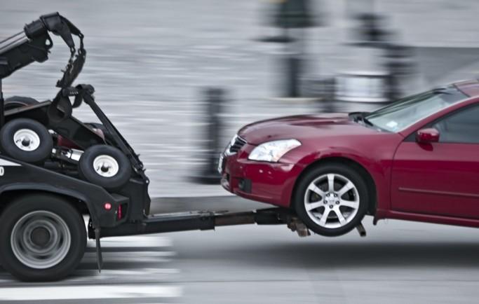 Những điều cần lưu ý khi đưa xe lên xe kéo