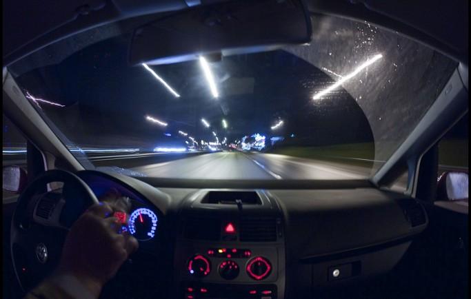 Những điều cần lưu ý khi lái xe ban đêm
