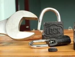 Những trường hợp bất đắc dĩ cần phá khóa