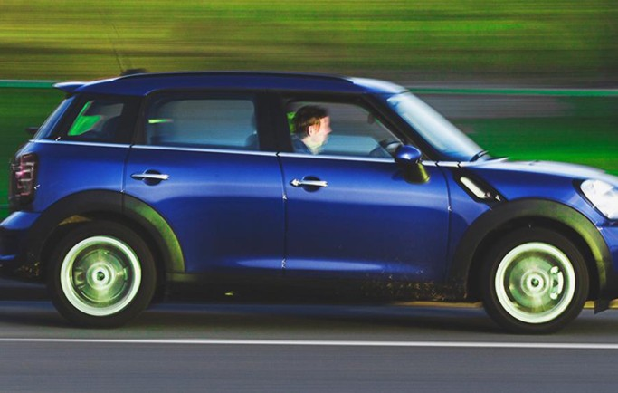 Quy tắc cần nhớ khi lái xe ô tô ở tốc độ cao