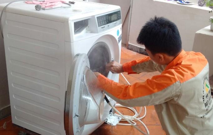 Trung tâm chuyên bảo trì máy giặt tại hà nội an toàn nhanh chóng